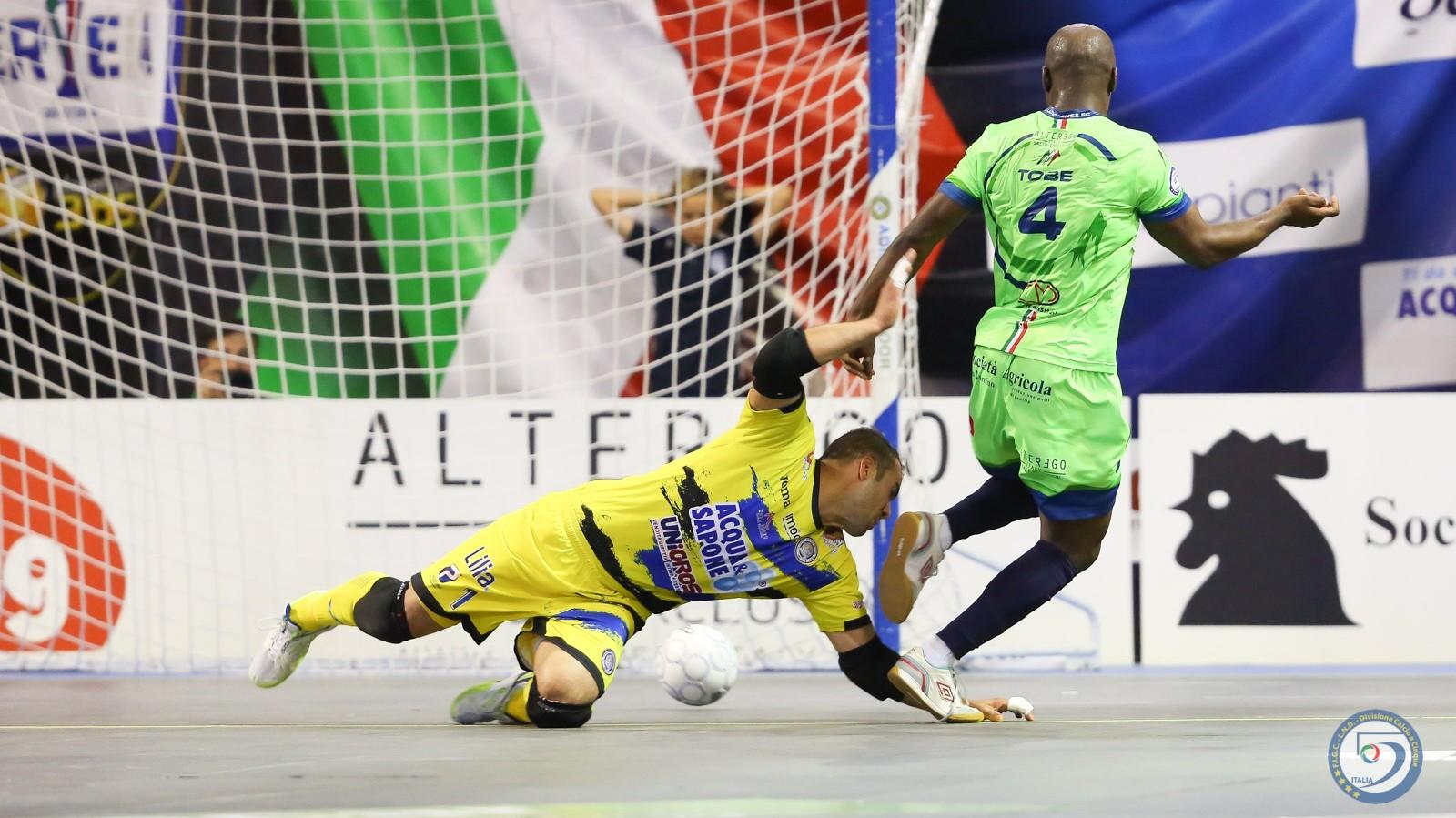 Finali calcio a 5, gara2: Luparense-Acqua&Sapone | Video