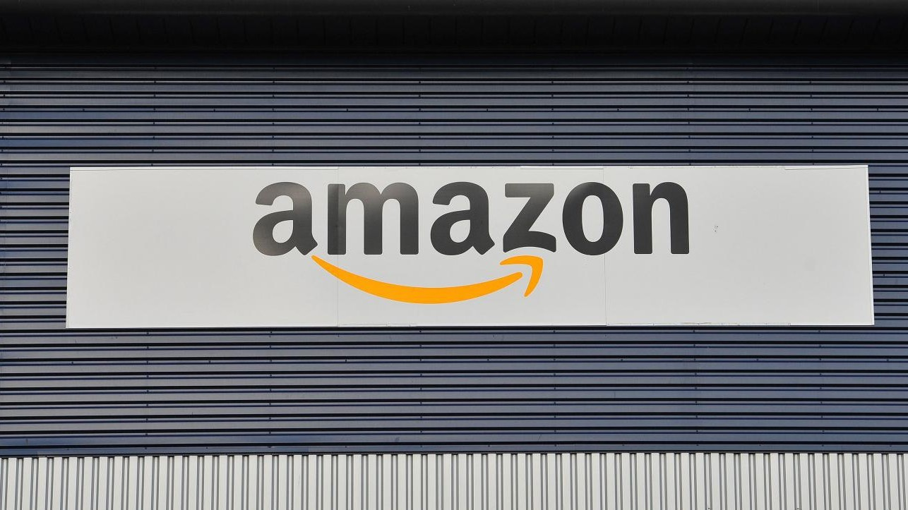 Troppi lavoratori interinali. Amazon dovrà assumerne 1.300