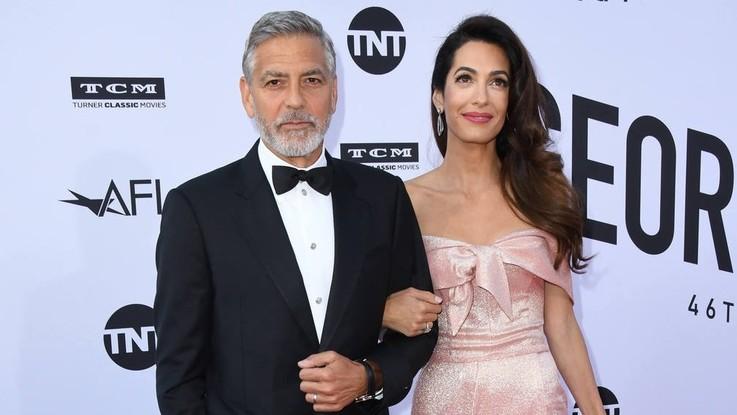 Migranti, da George e Amal Clooney 100mila dollari per i bimbi separati dalle famiglie
