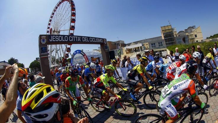 Ciclismo, Adriatica-Ionica: la terza tappa su LaPresse