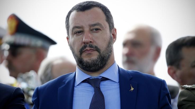 """Salvini: """"Dieci vaccini inutili e pericolosi"""". La ministra Grillo: """"Sono fondamentali"""". E per la prima volta vince Di Maio: """"Tutelare bimbi"""""""
