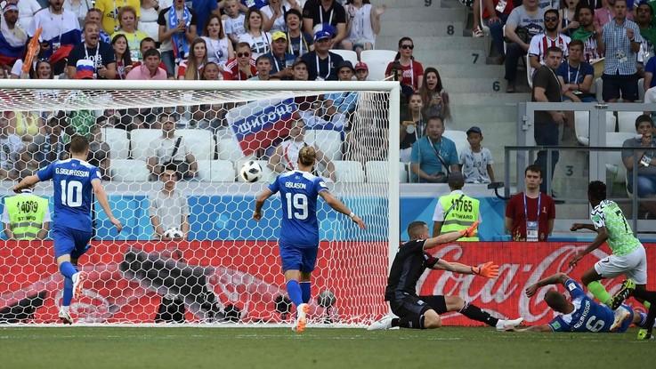 Russia 2018, la Nigeria dà una mano a Messi. Battuta (2-0) l'Islanda