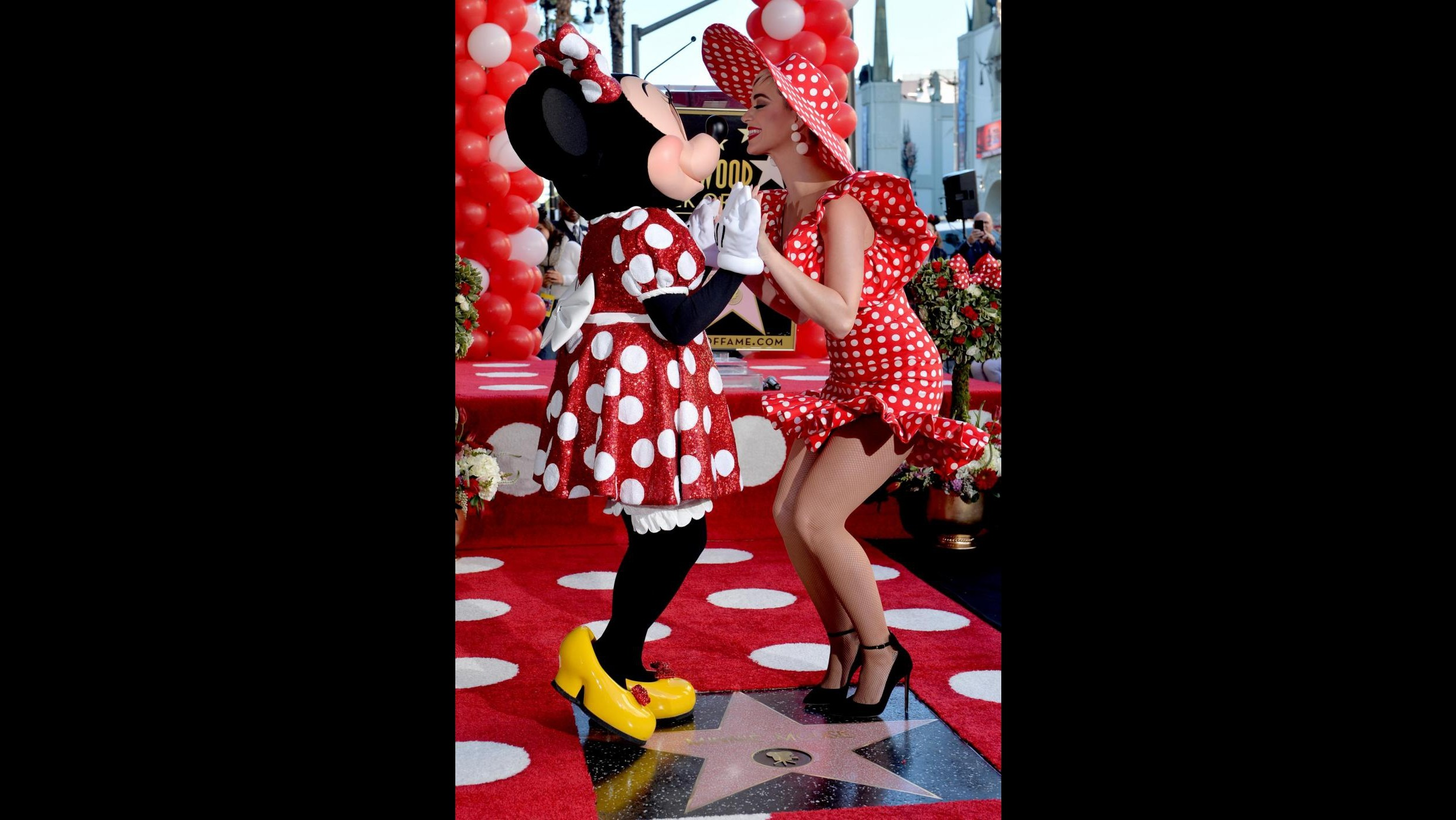 Hollywood onora Minnie: Katy Perry le assegna una stella sulla Walk of Fame