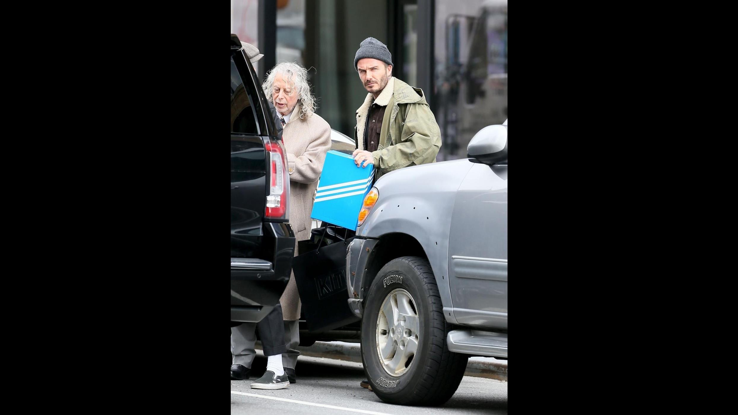 Brooklyn Beckham compie 19 anni, il compleanno con la fidanzata e i genitori