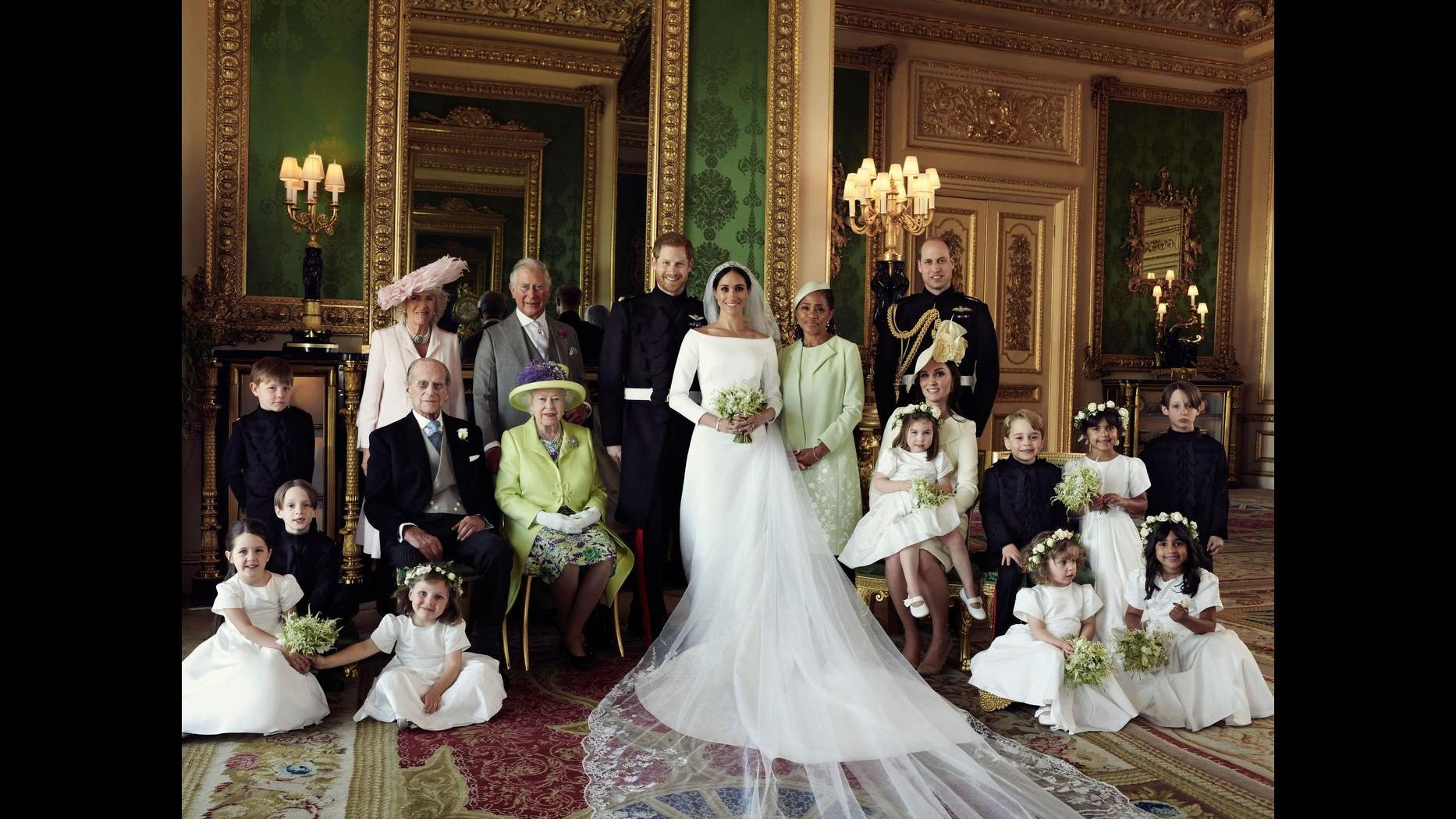 Harry e Meghan, le prime foto dell'album di nozze