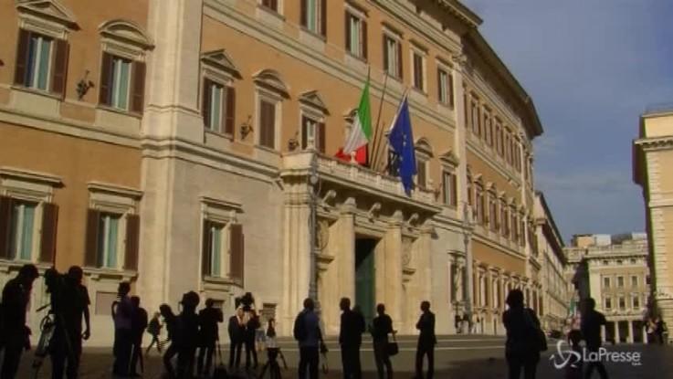 "Governo, Mattarella: ""Diktat inammissibili"""