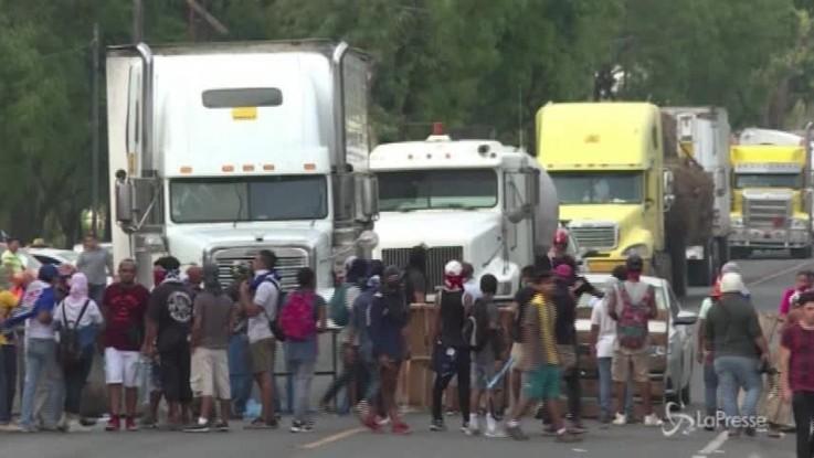 Nicaragua, barricate in autostrada contro il governo