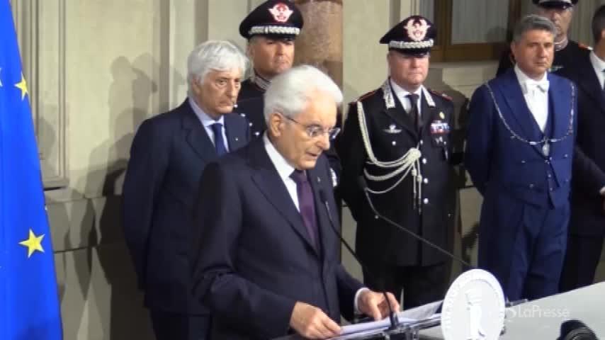 """Mattarella: """"Sul voto anticipato ascolterò il Parlamento"""""""