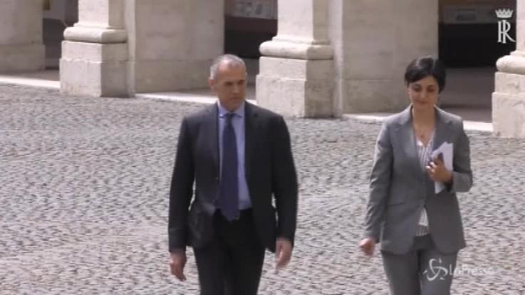 Governo, l'arrivo di Cottarelli al Quirinale