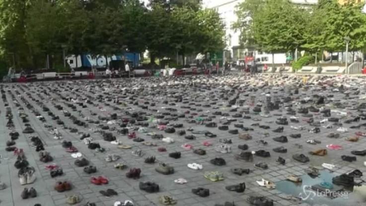 Bruxelles, 4500 paia di scarpe per le vittime di Gaza