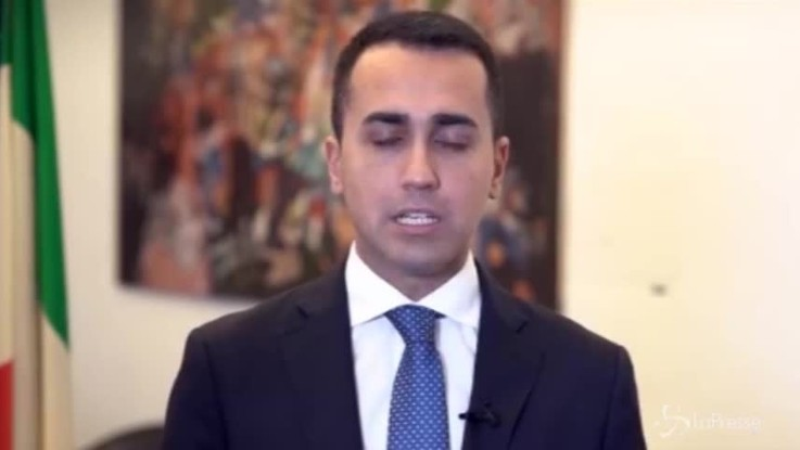 """Di Maio chiama la mobilitazione: """"Appendete i tricolori alla finestra"""""""
