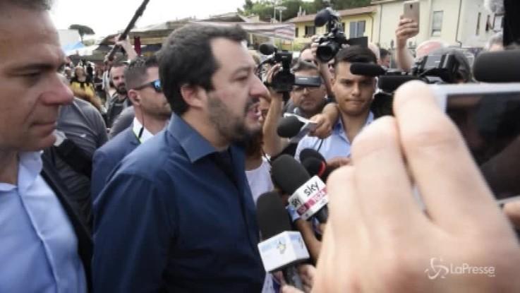 """Salvini: """"Ho provato di tutto, mi manca solo la mantellina di Superman..."""""""