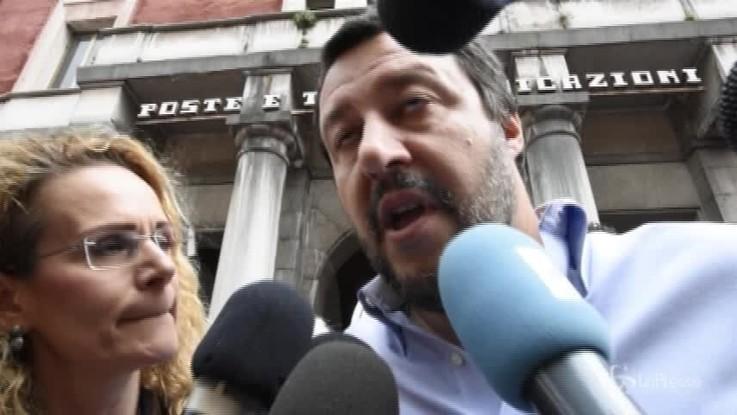 """Migranti, Salvini: """"Ong? No a vice scafisti nei nostri porti"""""""