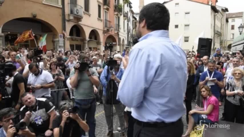 """Salvini a Vicenza: """"Subito l'autonomia, gli uomini in divisa non sono più soli"""""""