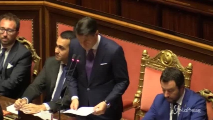 """""""Non siamo insensibili"""": Conte in Senato ricorda Soumayla"""