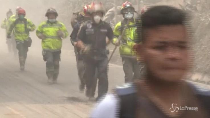 Guatemala, 75 morti e 200 dispersi per l'eruzione del Fuego