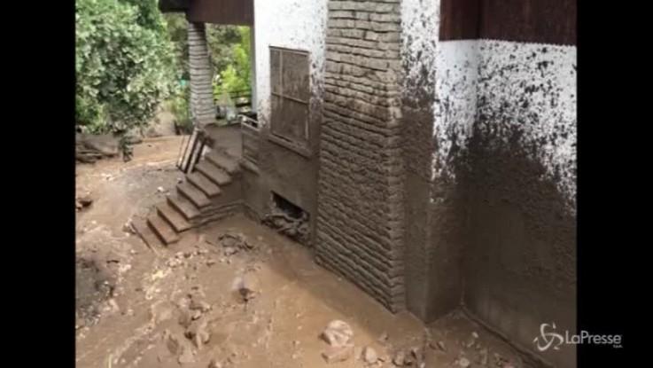 Frana a Bussoleno: case invase da un fiume di fango
