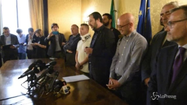 """Salvini: """"Sui migranti pronti ad alzare la voce"""""""