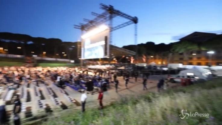 """Il """"gladiatore"""" Russell Crowe al Circo Massimo"""