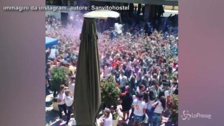 Finisce la scuola, gli studenti trasformano Ragusa in una discoteca a cielo aperto