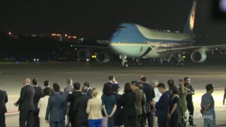 Vertice con Kim: Trump arrivato a Singapore