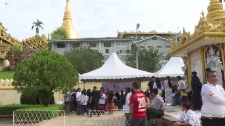 Gli chef senza frontiere conquistano la Birmania