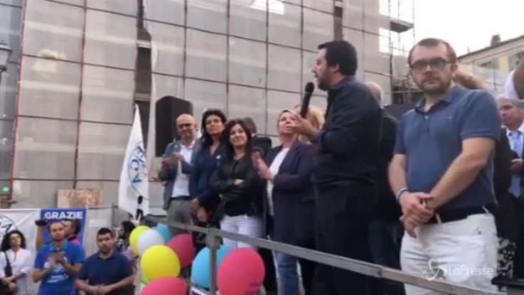 """Migranti, Salvini: """"Porti chiusi per fermare gli arrivi"""""""