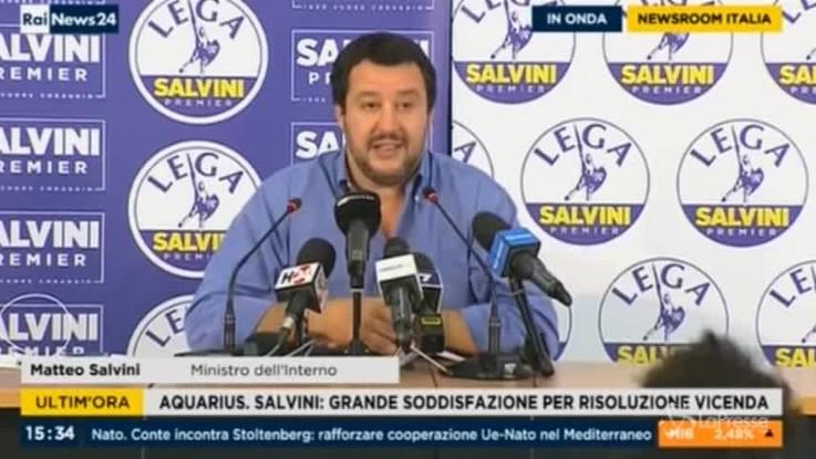 """Sea-Watch smentisce Salvini: """"Non abbiamo nessuno a bordo"""""""