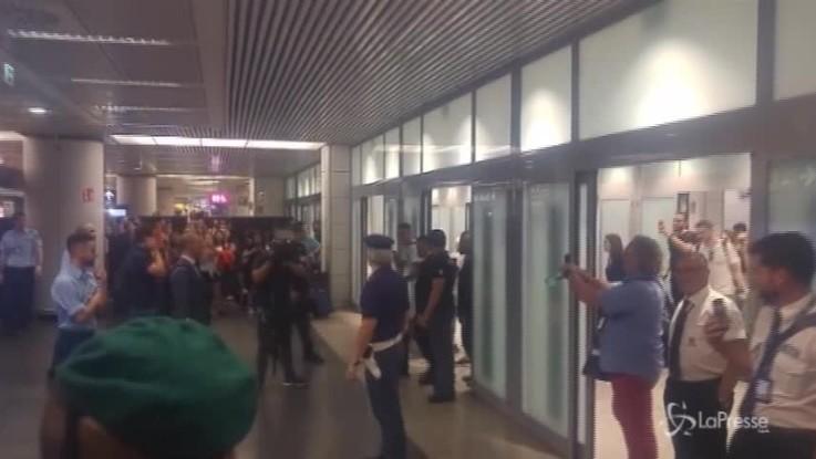 Roma, Justin Kluivert è sbarcato a Fiumicino