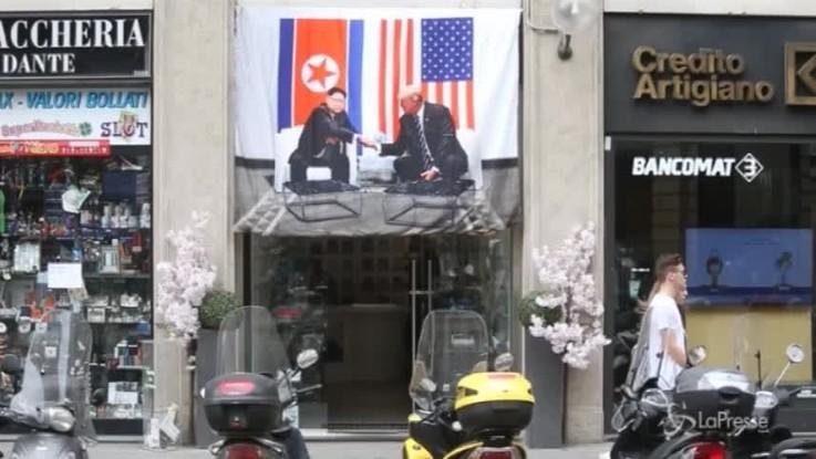 E' già Trump-Kim mania: a Milano i gadget dell'incontro