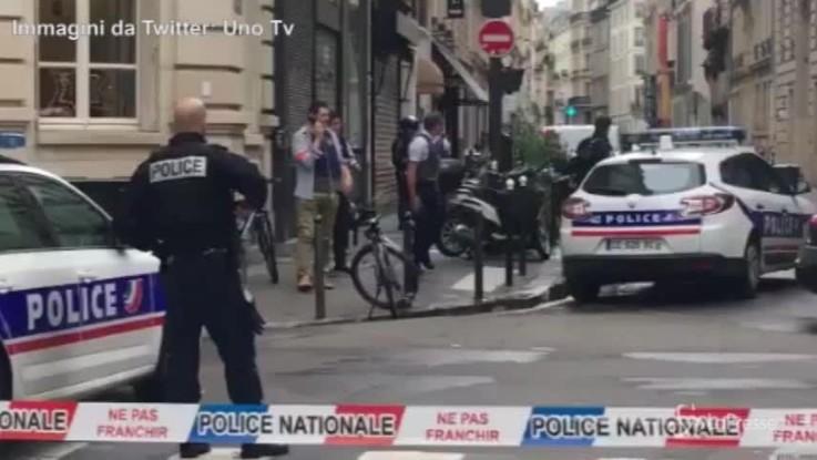 Parigi, uomo armato prende in ostaggio 3 persone: il luogo del sequestro