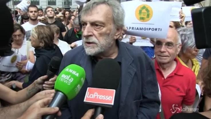 """Aquarius, Gino Strada: """"Salvini prosegue la politica di Minniti"""""""