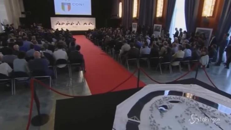 Nove arresti per il nuovo stadio di Roma
