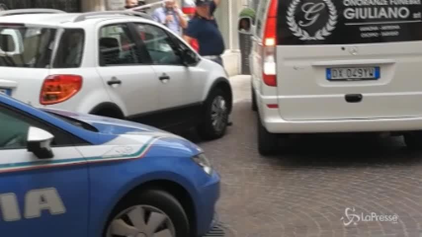 Spari dal notaio, marito uccide la moglie e si suicida a Udine