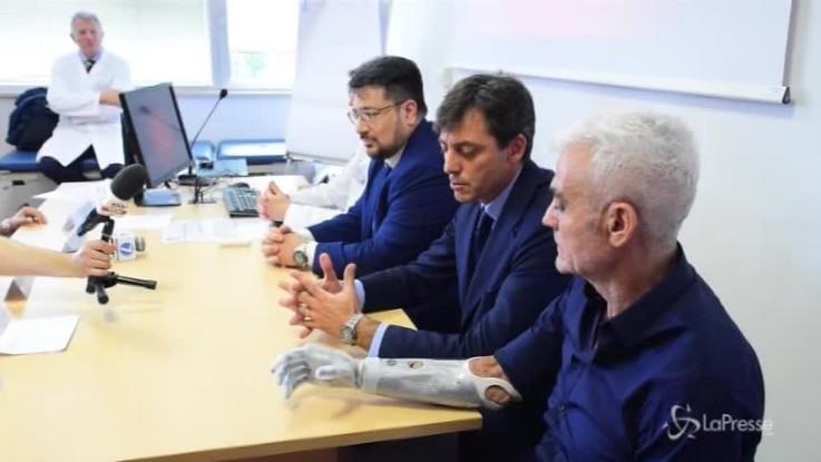 Una mano bionica per Zanda, l'ultraranner con mani e piedi amputati