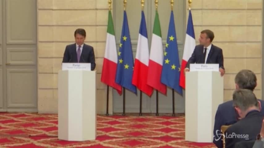 """Conte incontra Macron: """"Lavoreremo insieme, prevenire i viaggi della morte"""""""