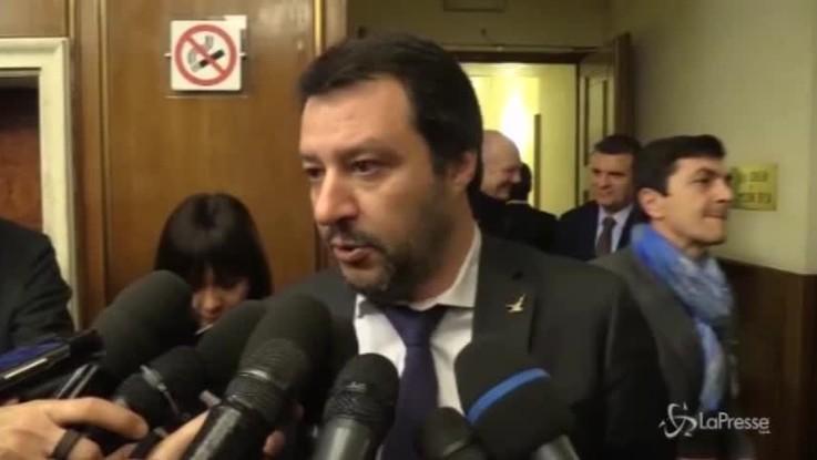 Migranti, stretta di Salvini e Toninelli sulle Ong
