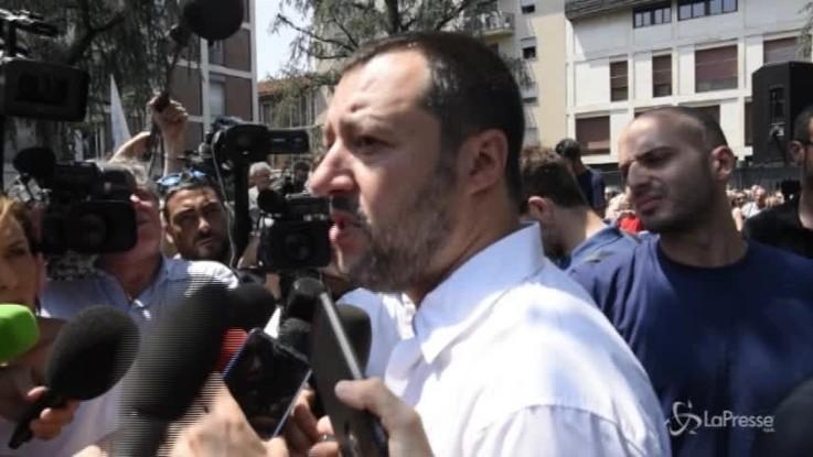 """Salvini: """"700 giornalisti a Valencia? Se si beccano un migrante a testa siamo a posto"""""""
