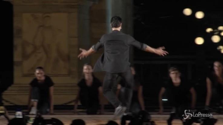 Milano, Bolle incanta il pubblico all'Arco della Pace