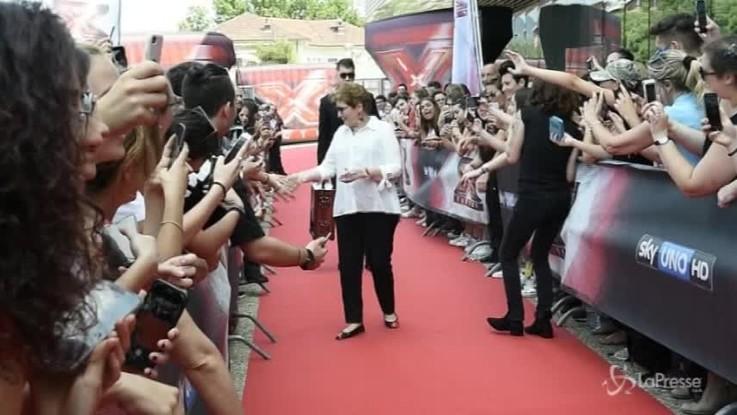 X Factor, terzo giorno di audizioni a Torino: fan in delirio per i giudici