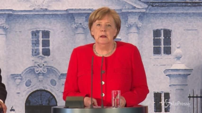 Macron- Merkel, sì a budget Eurozona