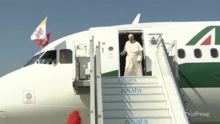 """Migranti, il Papa elogia l'Italia: """"E' stata generosa"""""""