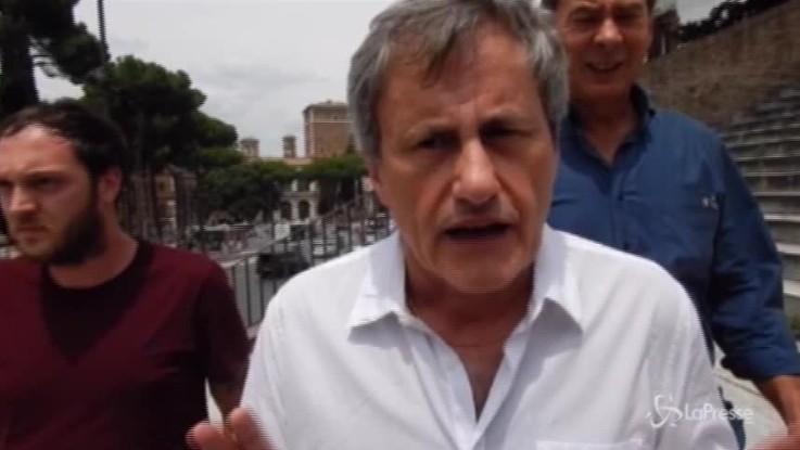 """Alemanno contro Raggi: """"Almirante non era antisemita"""""""