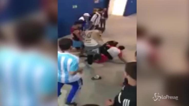 Russia 2018, argentini aggrediscono tifoso croato