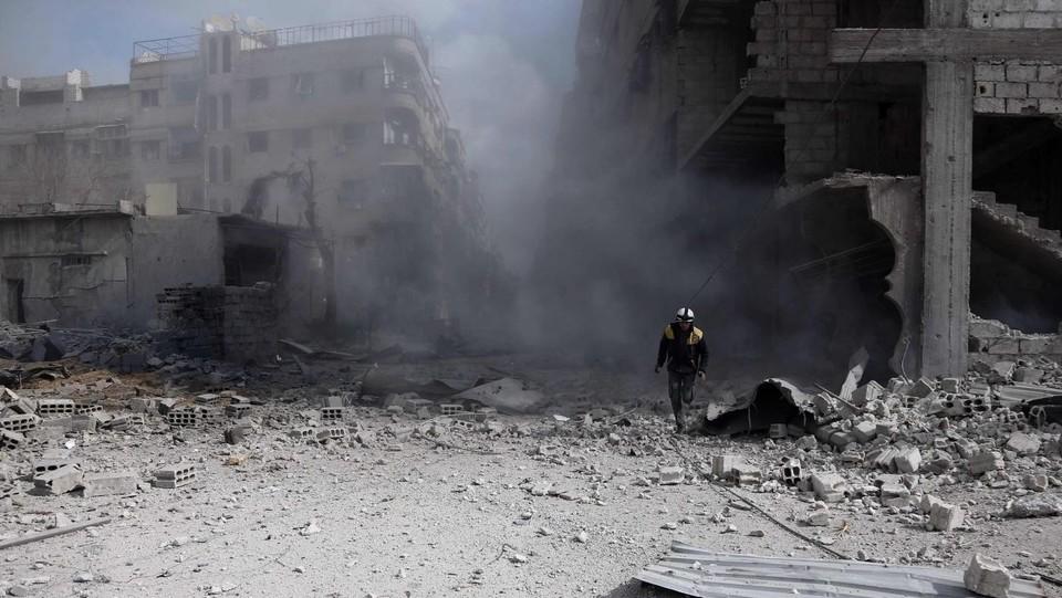 Siria, nuovi bombardamenti su Ghouta Est: da domenica 500 civili uccisi