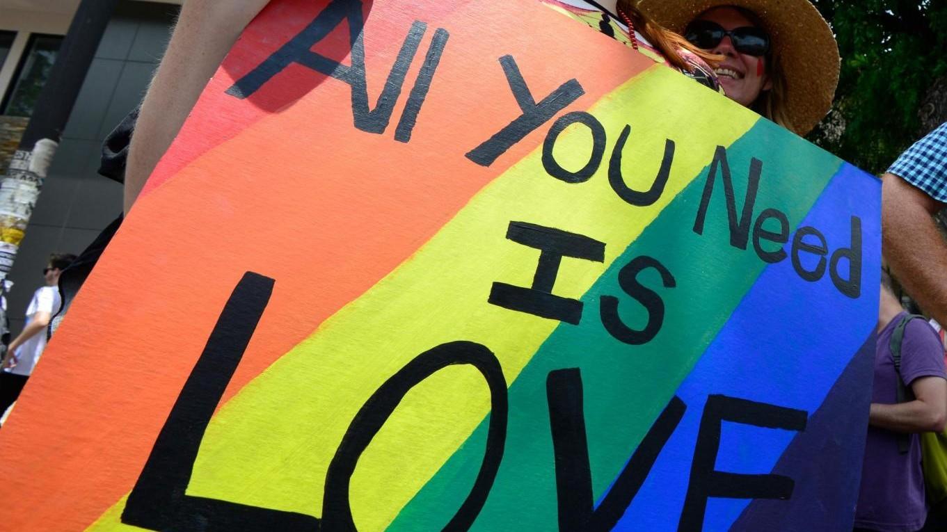 Napoli, gay a 14 anni: picchiato e seviziato in famiglia