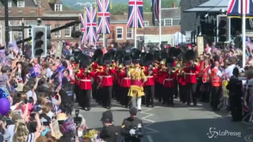 Royal Wedding, la banda delle forze armate sfila lungo la Long Walk di Windsor