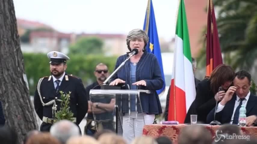Giuliana Di Pillo chiede aiuto a Raggi contro l'abusivismo a Ostia