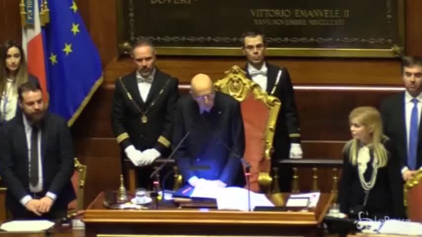 """Senato, la commozione di Napolitano: """"Grande senso di responsabilità"""""""
