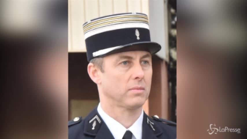 Francia, omaggio nazionale all'agente-eroe